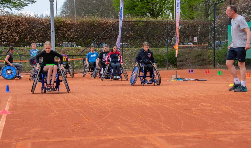 Rolstoel-tennisclinic Esther Vergeer Foundation TV Rapiditas