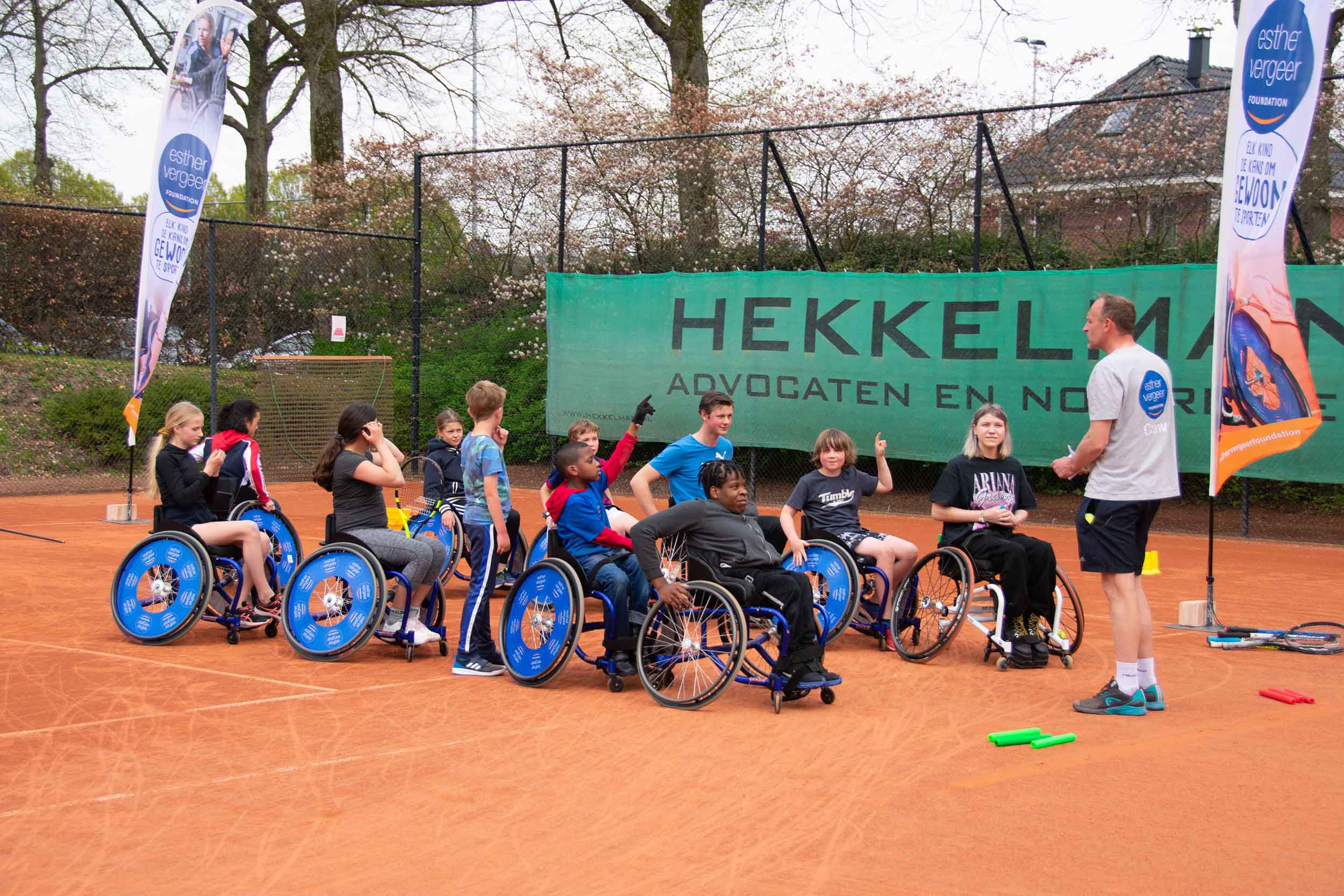 Rolstoel-tennisclinic TV Rapiditas - Esther Vergeer Foundation